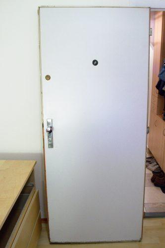 dveře zepředu